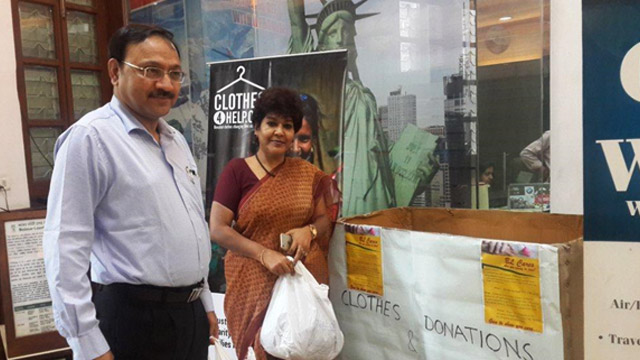 C&MD and Director (HR&CA) donating clothes