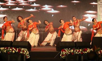 Dane performance by Mamata Sankar's troupe